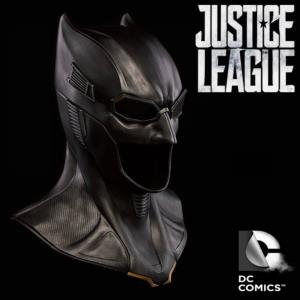 JUSTICE LEAGUE - BATMAN MASQUE OFFICIEL AVEC SUPPORT (DC COMICS - DIMENSION STUDIO)