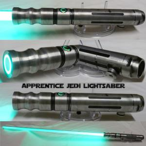 "STAR WARS - SABRE LASER ""JEDI APPRENTICE GREEN"" (PRACTICAL- LAME AMOVIBLE & COULEUR INTERCHANGEABLE)"