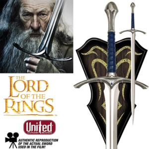 LOTR - GLAMDRING EPEE DE GANDALF OFFICIELLE + SUPPORT BOIS DELUXE (UNITED CUTLERY)