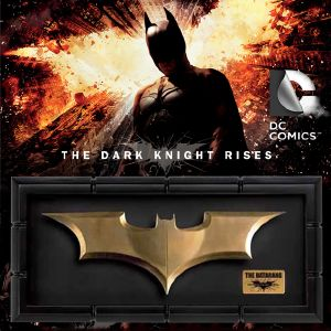 BATMAN, THE DARK KNIGHT RISES - THE BATARANG OFFICIEL