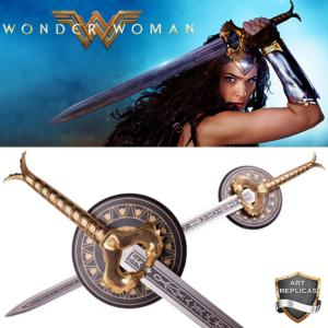 "WONDER WOMAN - REPLIQUE EPEE "" GOD KILLER"" AVEC SUPPORT BOIS DELUXE (REPRODUCTION ART REPLICAS)"
