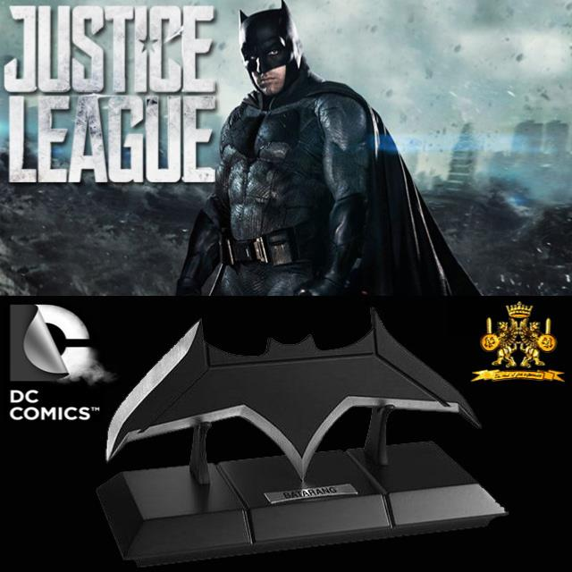 JUSTICE LEAGUE - BATMAN BATARANG OFFICIEL (DC COMICS - THE NOBLE COLLECTION) 77b4e34131f