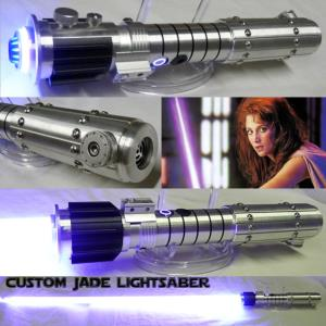 STAR WARS - SABRE LASER MARA JADE CUSTOM LIGHTSABER (FAIT MAIN - LAME AMOVIBLE - PRACTICAL)