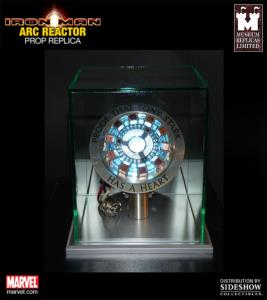 IRON MAN - ARC REACTOR OFFICIEL AVEC ECLAIRAGE LED + SUPPORT (MARVEL - WINDLASS STUDIOS)