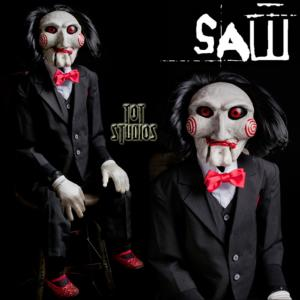 SAW - MARIONNETTE BILLY TAILLE 1/1 (BILLY PUPPET PROP - TOT STUDIOS)